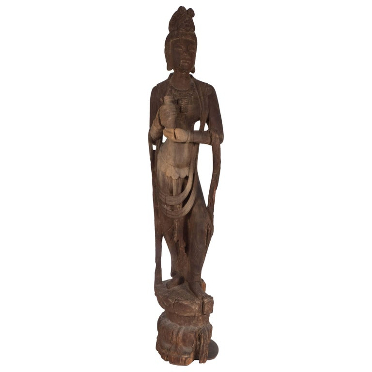 18th Century Hand-Carved Jichi Wood Guanyin Figure For Sale