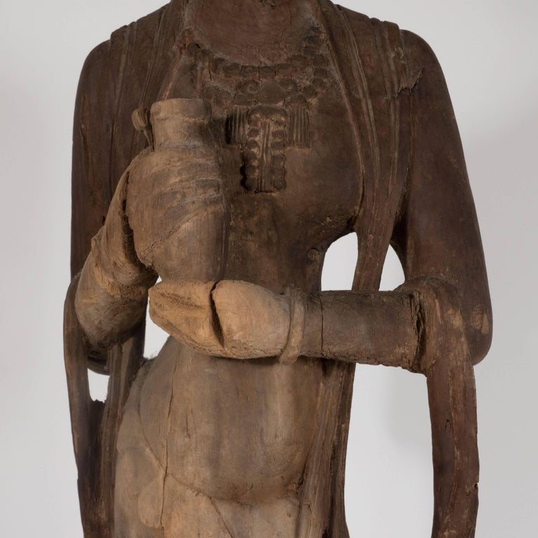 Qing 18th Century Hand-Carved Jichi Wood Guanyin Figure For Sale