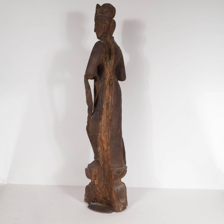 18th Century Hand-Carved Jichi Wood Guanyin Figure For Sale 2