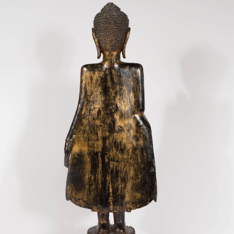 19th Century Thai Bronze Buddha with Patinated Gold Surface For Sale 4