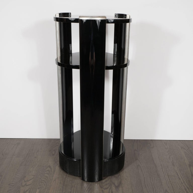 Elegant American Art Deco Three-Tiered Pedestal in Black Lacquer and Silver Leaf In Excellent Condition For Sale In New York, NY