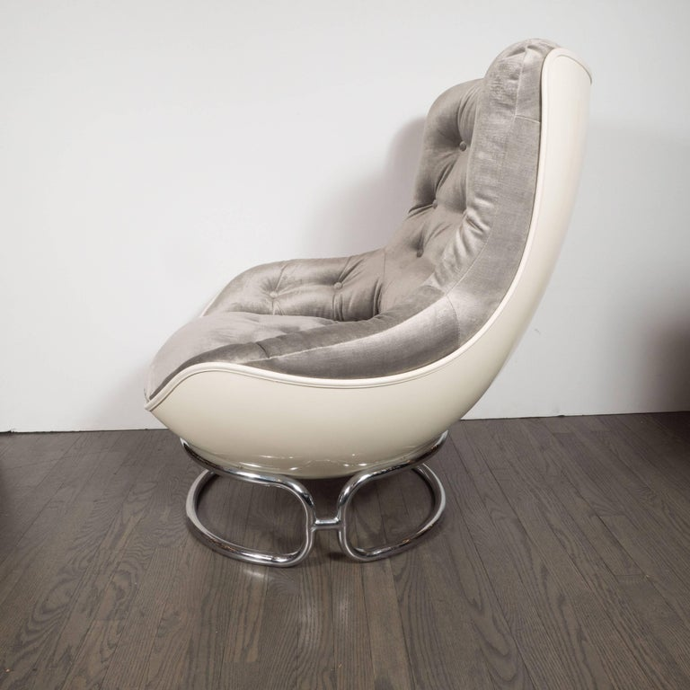 Velvet Pair of French Mid-Century Modern Chrome and Fiberglass Lounge Chairs, Airborne For Sale