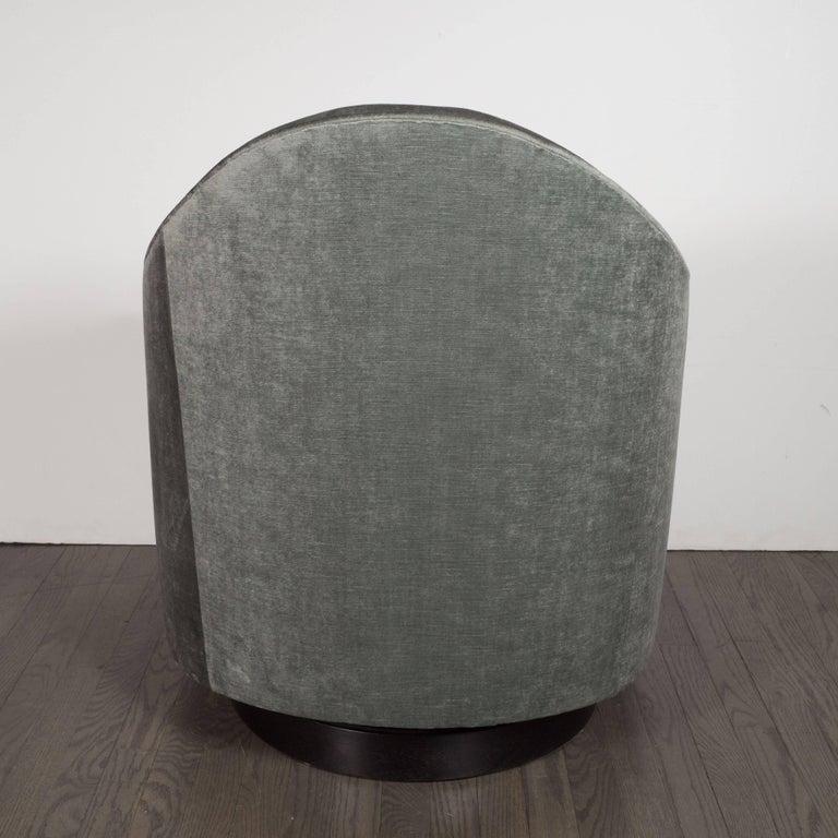 Ebonized Mid-Century Modern Swivel Chair in Smoked Platinum Velvet by Milo Baughman For Sale