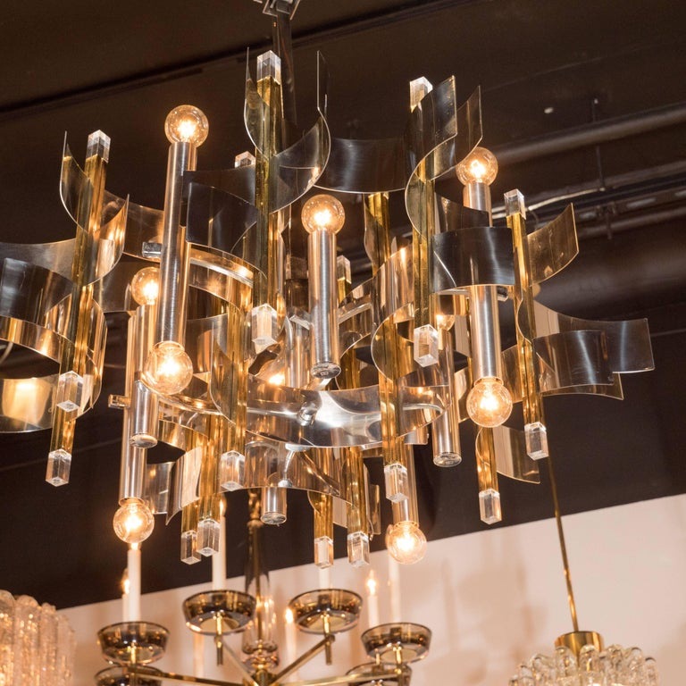 Italian Mid-Century Modern Brass, Chrome and Lucite Chandelier by Sciolari In Excellent Condition For Sale In New York, NY