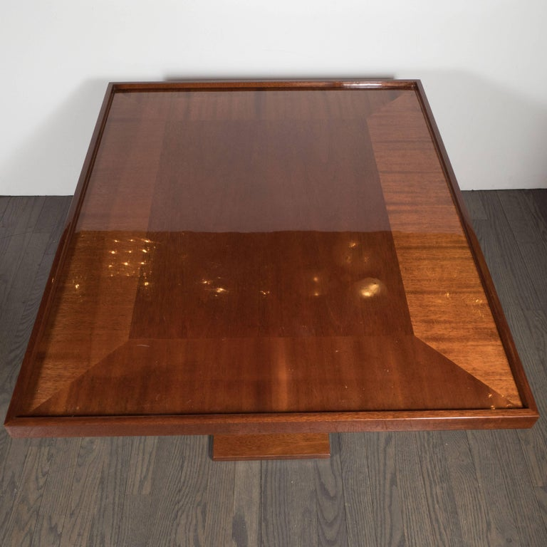 Mid-20th Century Art Deco Bookmatched Walnut and Mahogany Cocktail Table For Sale