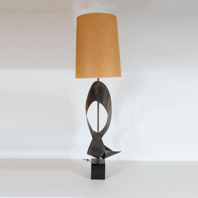 Mid-Century Modern Pair of Mid-Century Sculptural Brutalist Patinated Steel Ribbon Table Lamps For Sale