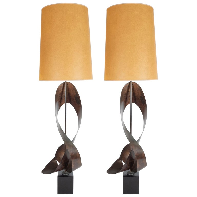 Pair of Mid-Century Sculptural Brutalist Patinated Steel Ribbon Table Lamps For Sale