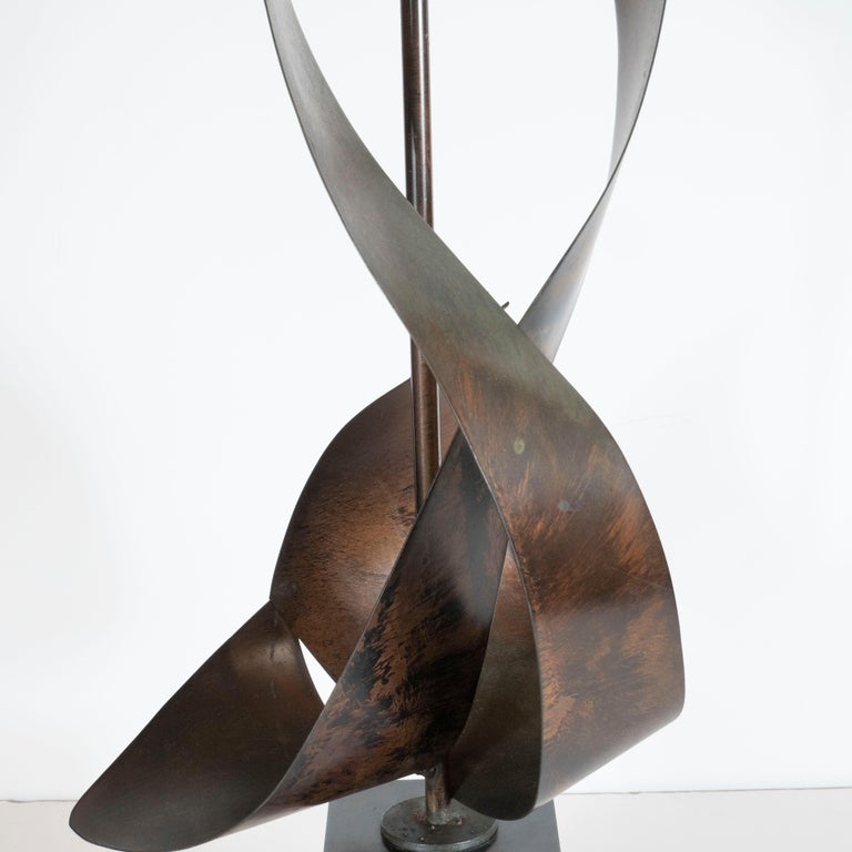 Pair of Mid-Century Sculptural Brutalist Patinated Steel Ribbon Table Lamps For Sale 2