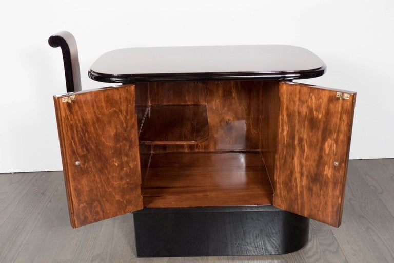 Streamlined Art Deco End Table or Dry Bar Cabinet in Book-Matched Exotic Walnut In Excellent Condition For Sale In New York, NY