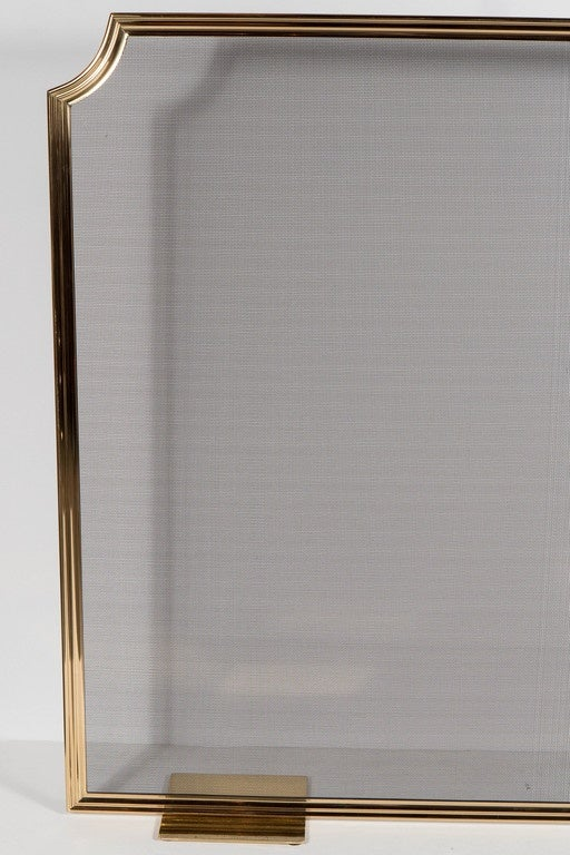 American Custom Modern Fire Screen in Polished Brass with Curved Corner Detail For Sale