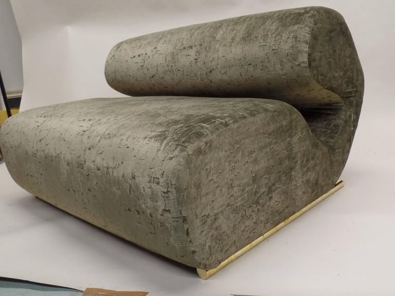 Rare Curvilinear Italian 1970s Sofa or Settee 3