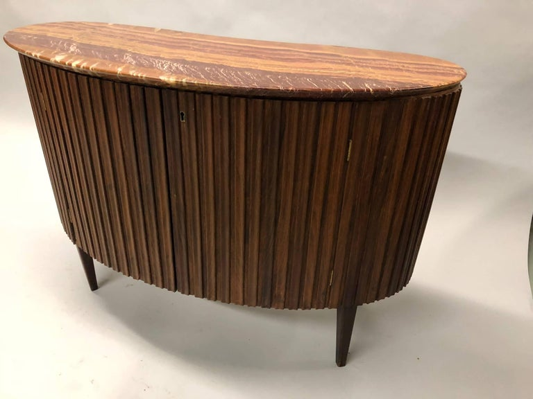 Elegant Italian Mid-Century Modern neoclassical cabinet / bar / sideboard / credenza / console / sofa table by Paolo Buffa, circa 1950. 