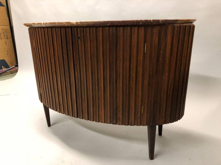 Italian Mid-Century Modern Credenza / Console / Sideboard/ Bar by Paolo Buffa In Good Condition For Sale In New York, NY