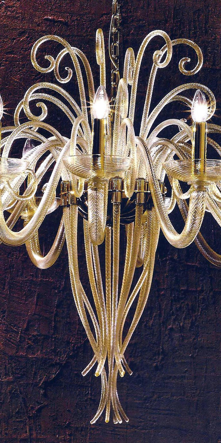 Large Mid-Century Modern Style Twelve-Arm Gold Murano Glass Chandelier In Excellent Condition For Sale In New York, NY