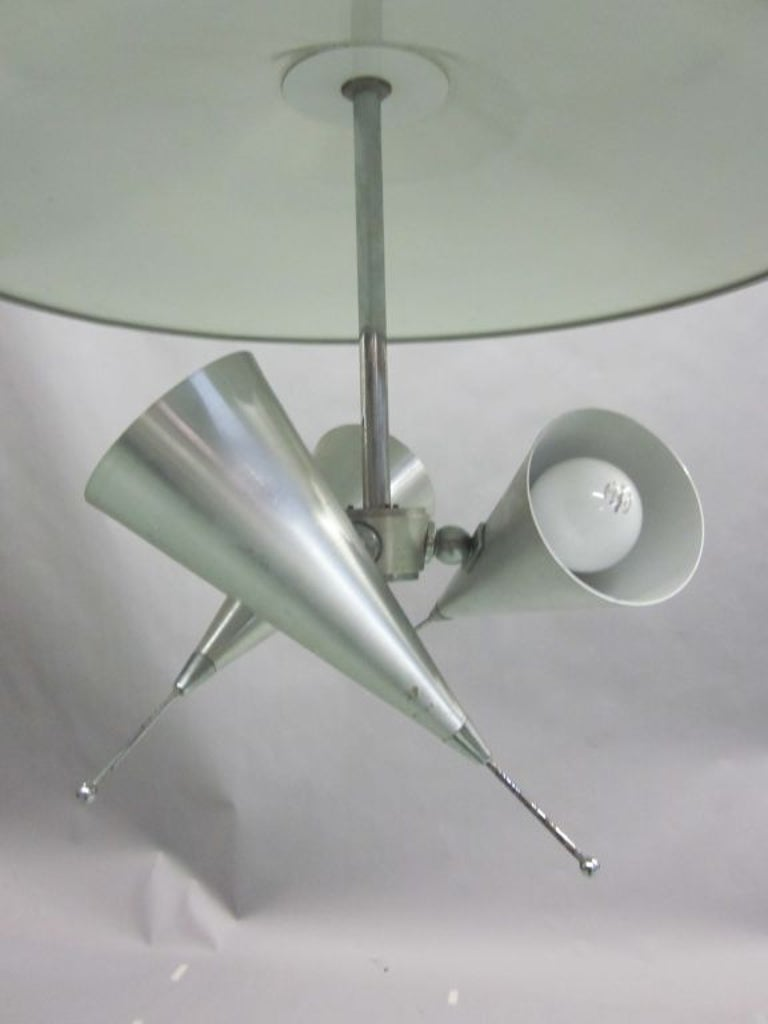 Italian Midcentury Adjustable Triple Reflector Pendant Attributed to Stilnovo In Good Condition For Sale In New York, NY