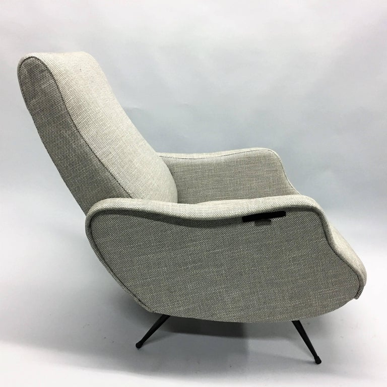 Pair Mid-Century Modern Lounge Chairs / Recliners Style Marco Zanuso, Italy,1950 In Excellent Condition For Sale In New York, NY