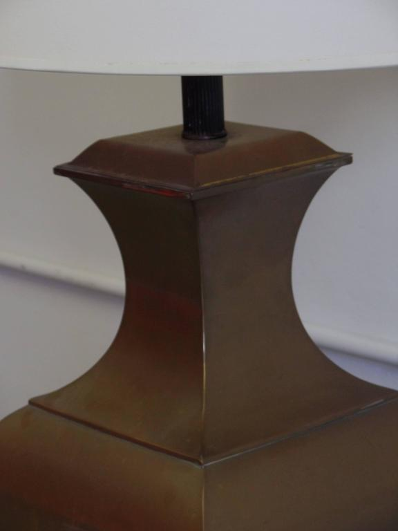 20th Century Pair of Large French Mid-Century Modern Neoclassical Brass Table Lamps For Sale
