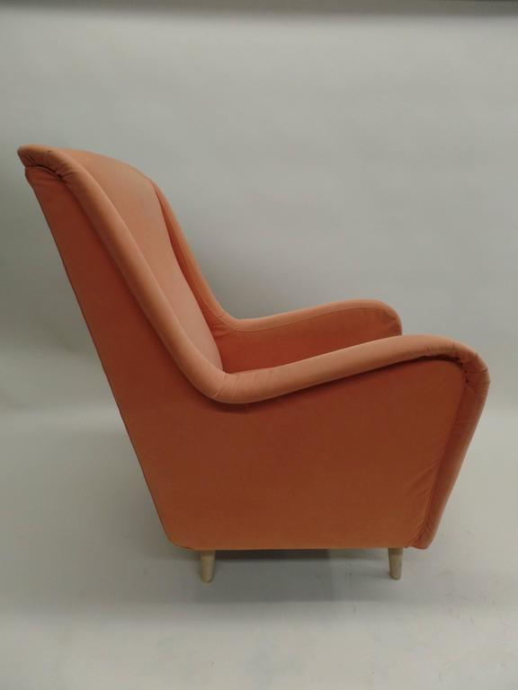 Pair of Italian Mid-Century Modern Wing Back Lounge Chairs by Paolo Buffa For Sale 1