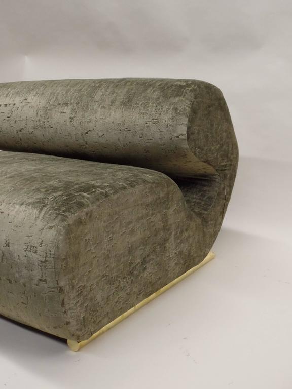 Rare Curvilinear Italian 1970s Sofa or Settee 4