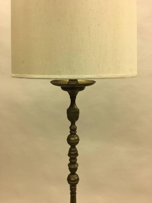 French Mid-Century Modern Classical Gilt Bronze Floor Lamp, 1930 2