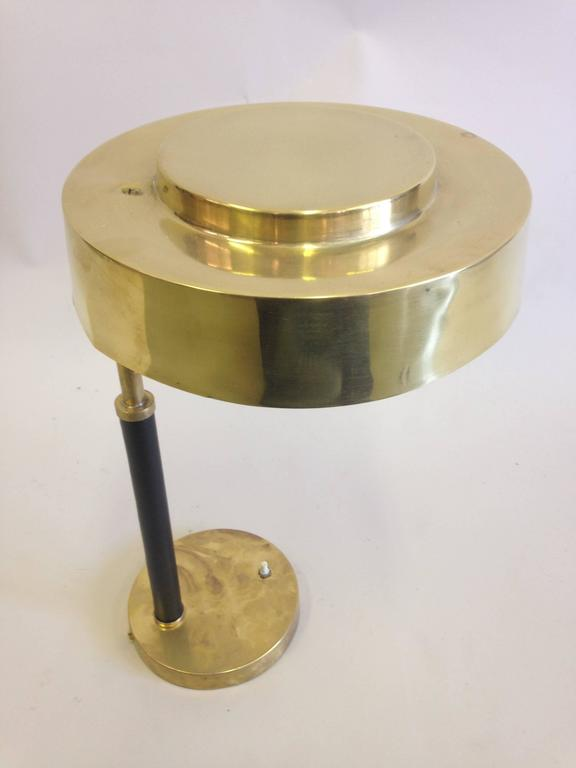 2 Mid-Century Modern Brass & Leather Marine Desk / Table Lamps, England, 1930 In Good Condition For Sale In New York, NY