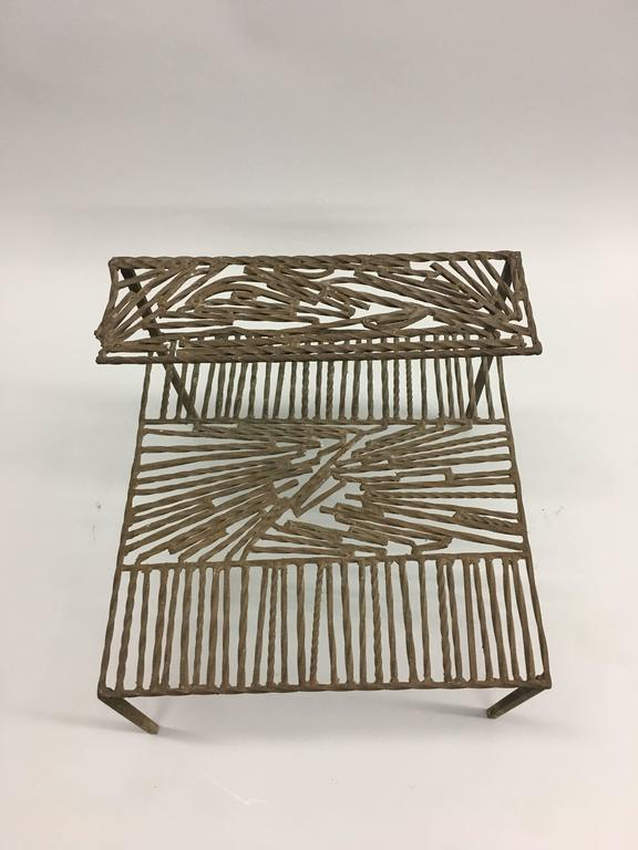 Italian 'Arte Povera' / Post-Minimalist Wrought Iron Sculpture or Side Table In Good Condition For Sale In New York, NY