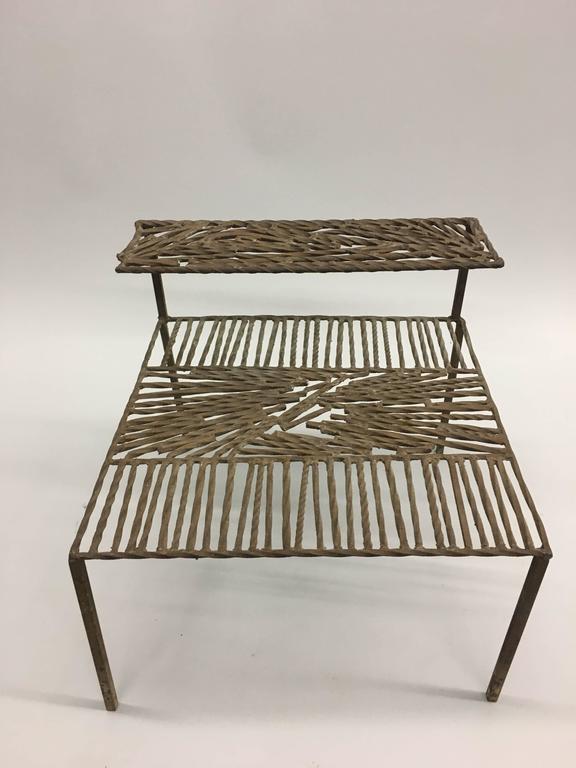 Italian 'Arte Povera' / Post-Minimalist Wrought Iron Sculpture or Side Table For Sale 1