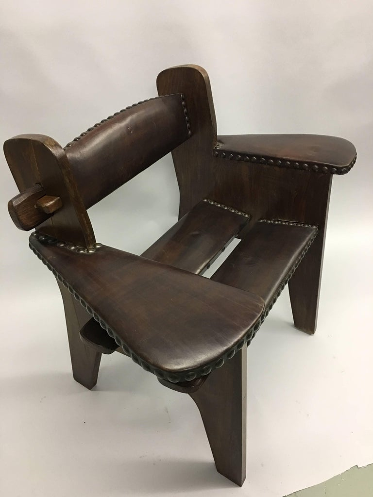 Pair of Italian Early Modern / Futurist Lounge Chairs, Giacomo Balla Attributed In Good Condition For Sale In New York, NY