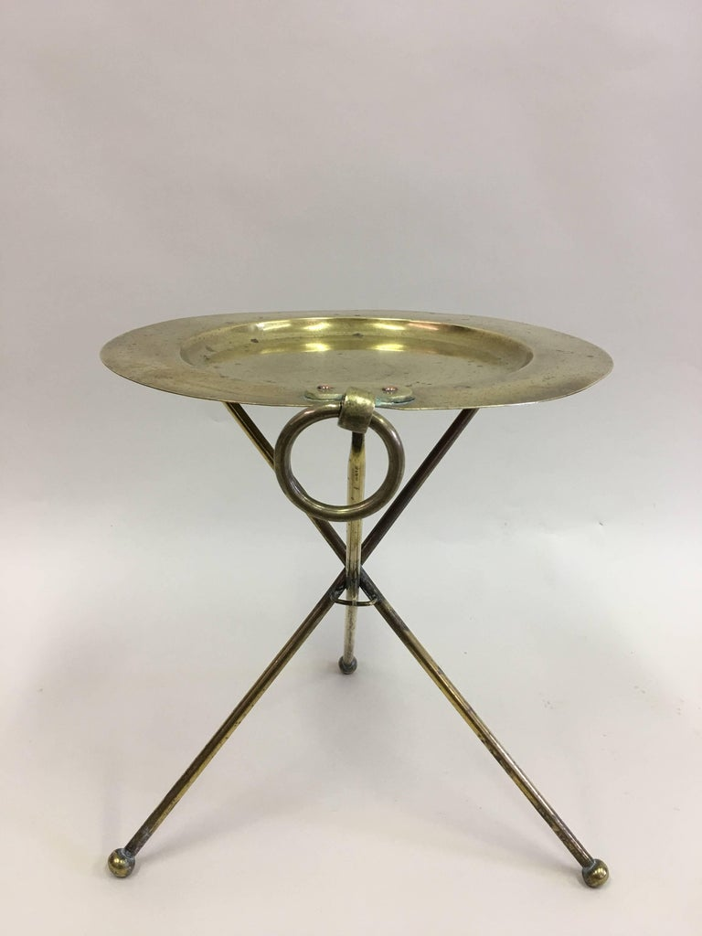 Elegant French Mid-Century solid brass guéridon, side, end or occasional table in the modern neoclassical tradition. 