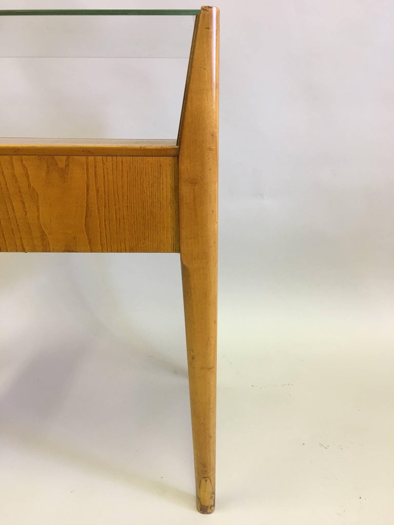Pair of Italian Modern Side Tables / Nightstands Attributed to Gio Ponti, 1954 7