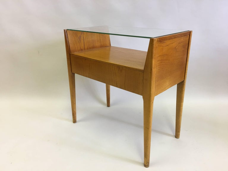 Hand-Crafted Pair of Italian Modern Side Tables / Nightstands Attributed to Gio Ponti, 1954 For Sale