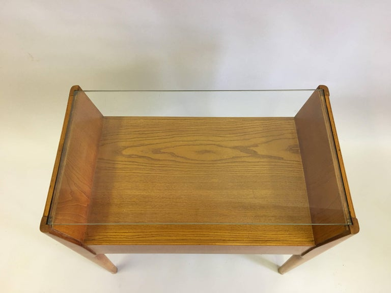 Mid-Century Modern Pair of Italian Modern Side Tables / Nightstands Attributed to Gio Ponti, 1954 For Sale