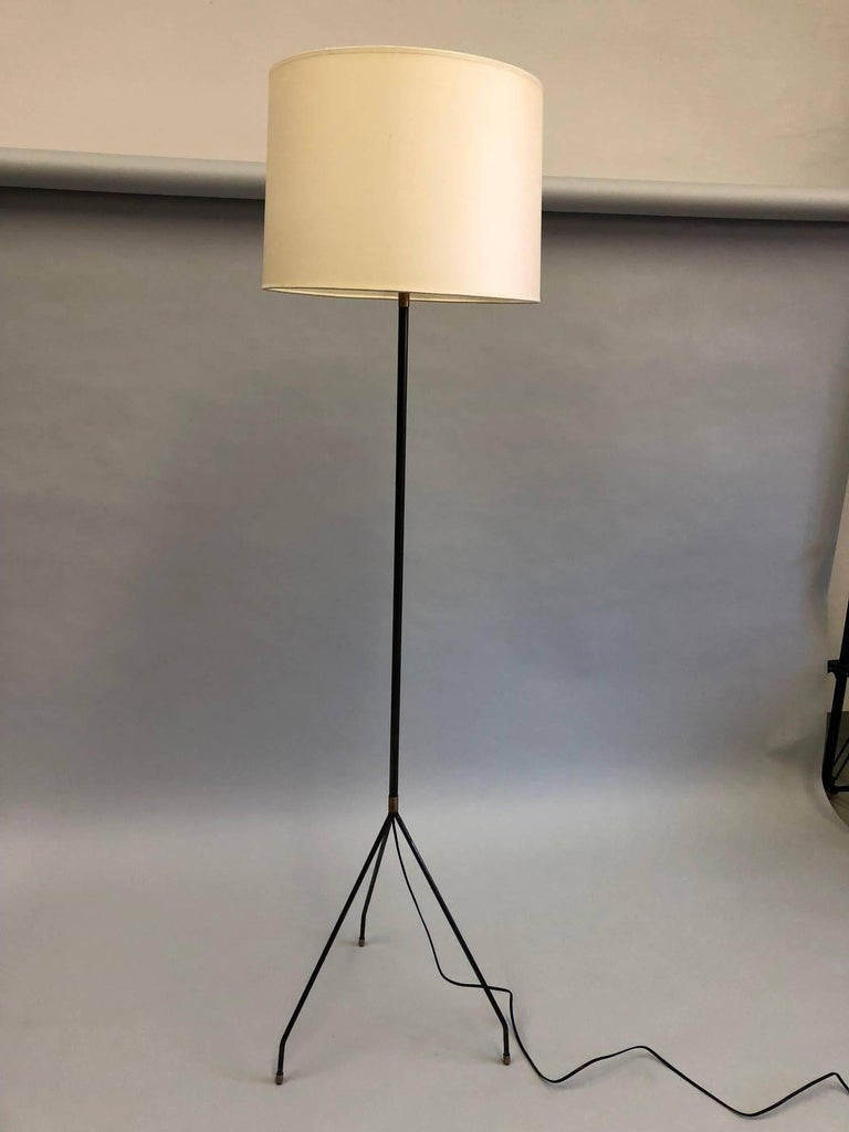 Pair of French Mid-Century Modern Iron Floor Lamps Attributed to Pierre Guariche In Excellent Condition For Sale In New York, NY