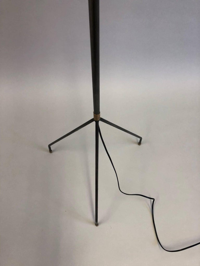 Pair of French Mid-Century Modern Iron Floor Lamps Attributed to Pierre Guariche For Sale 2
