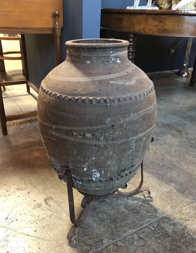 Large 18th Century Italian Terracotta Jar In Excellent Condition For Sale In Los Angeles, CA