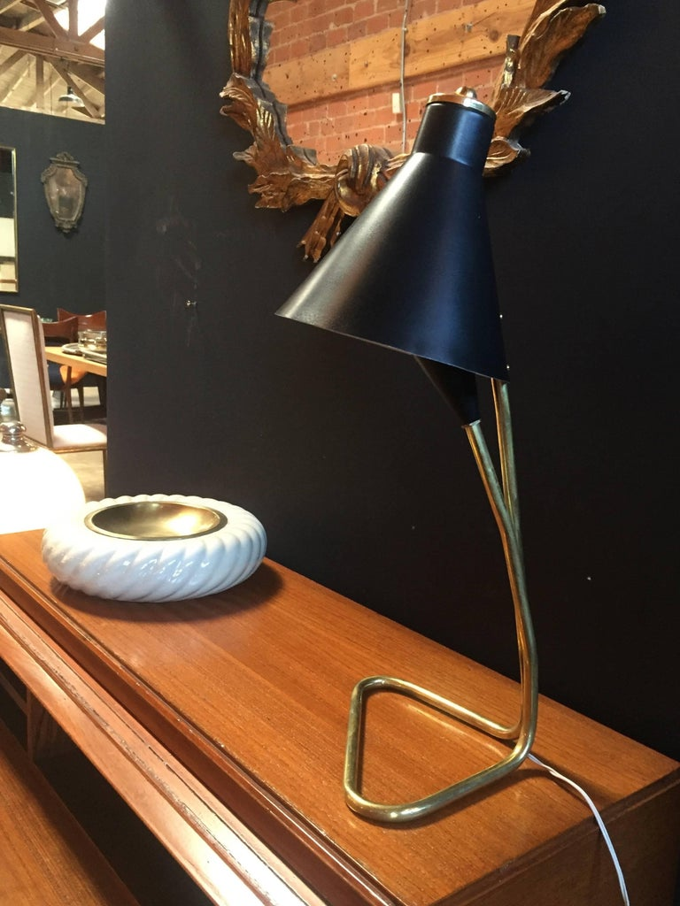 Desk Lamp in Brass and Dark Blue Metal, Italian, 1950s For Sale 4