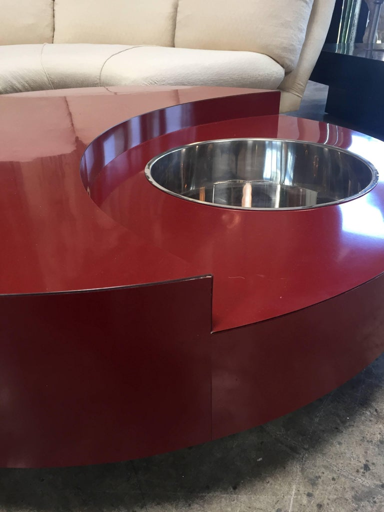 Iconic Round Red Coffee Table by Willy Rizzo, Italy, 1970s In Good Condition For Sale In Los Angeles, CA