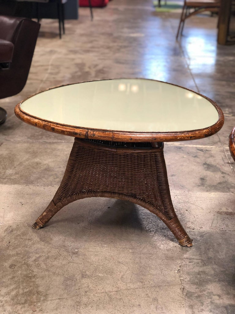Pair of Italian Coffee Tables in Rattan and Glass, 1960s For Sale 4