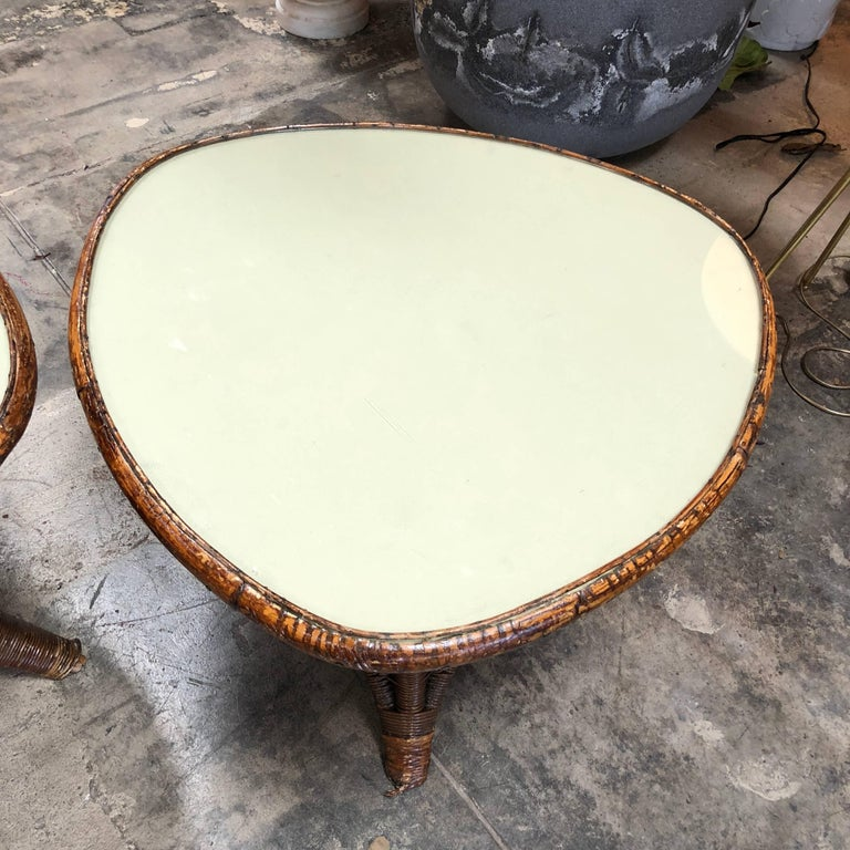 Pair of Italian Coffee Tables in Rattan and Glass, 1960s In Excellent Condition For Sale In Los Angeles, CA