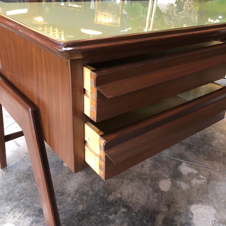 Rare Italian Executive Desk with Floating Glass Top by Vittorio Dassi, 1950s For Sale 2