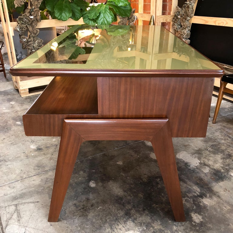 Rare Italian Executive Desk with Floating Glass Top by Vittorio Dassi, 1950s For Sale 4