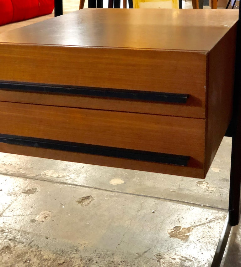 Midcentury Italian Teak Writing Desk, 1950s In Excellent Condition For Sale In Los Angeles, CA