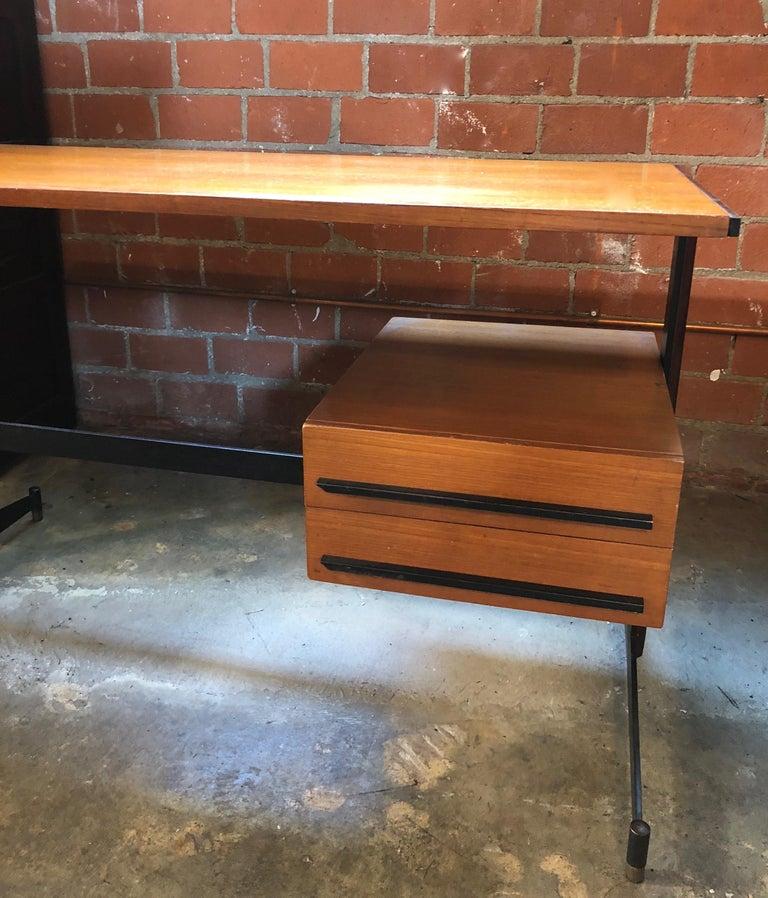 Midcentury Italian Teak Writing Desk, 1950s For Sale 1