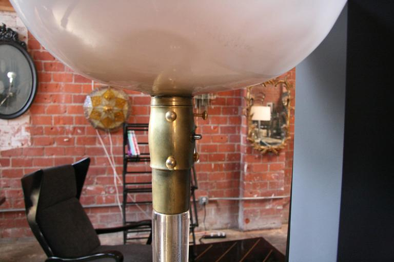 Venini Floor Lamp by Tommaso Buzzi  In Excellent Condition For Sale In Los Angeles, CA