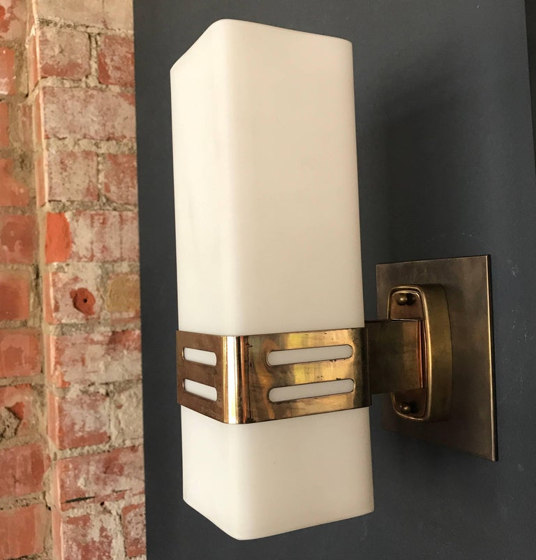 Italian Stilnovo Single Sconce in Opaline Glass and Brass Band, 1950s For Sale