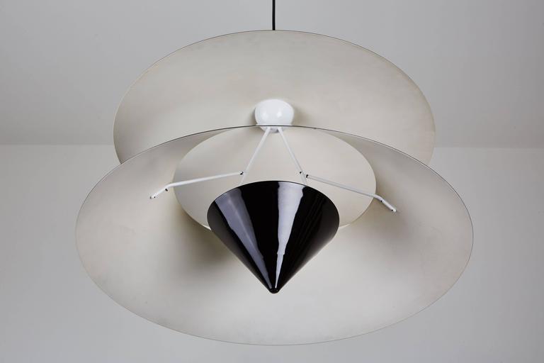 Akaari Pendant by Vico Magistretti for Oluce 10