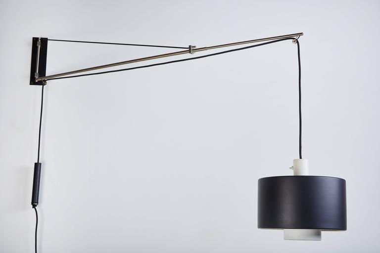 Mid-Century Modern Model 2061 Wall Light by Gaetano Sciolari for Stilnovo For Sale