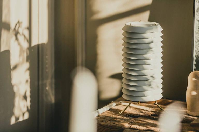 Mid-Century Modern Maija Table Lamp by Ilmari Tapiovaraa for Santa & Cole For Sale