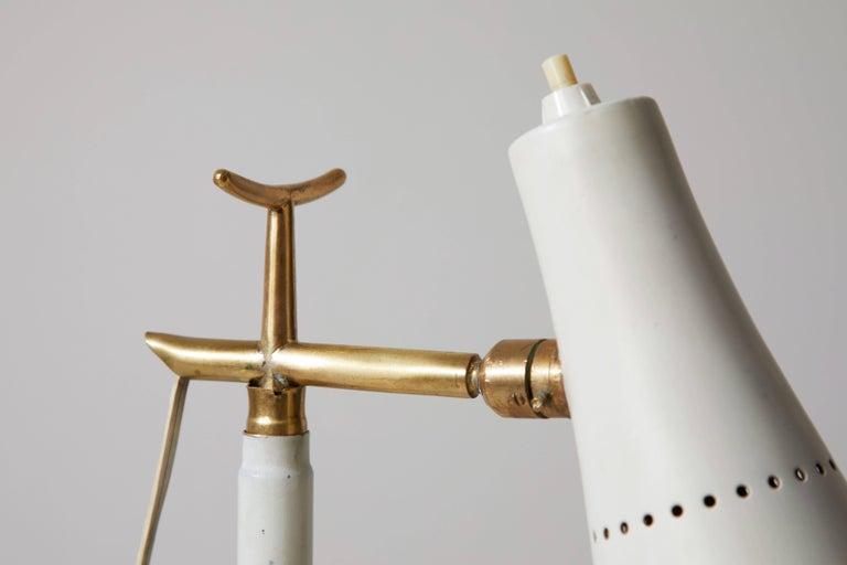 Model 201 Floor Lamp by Giuseppe Ostuni for Oluce For Sale 2