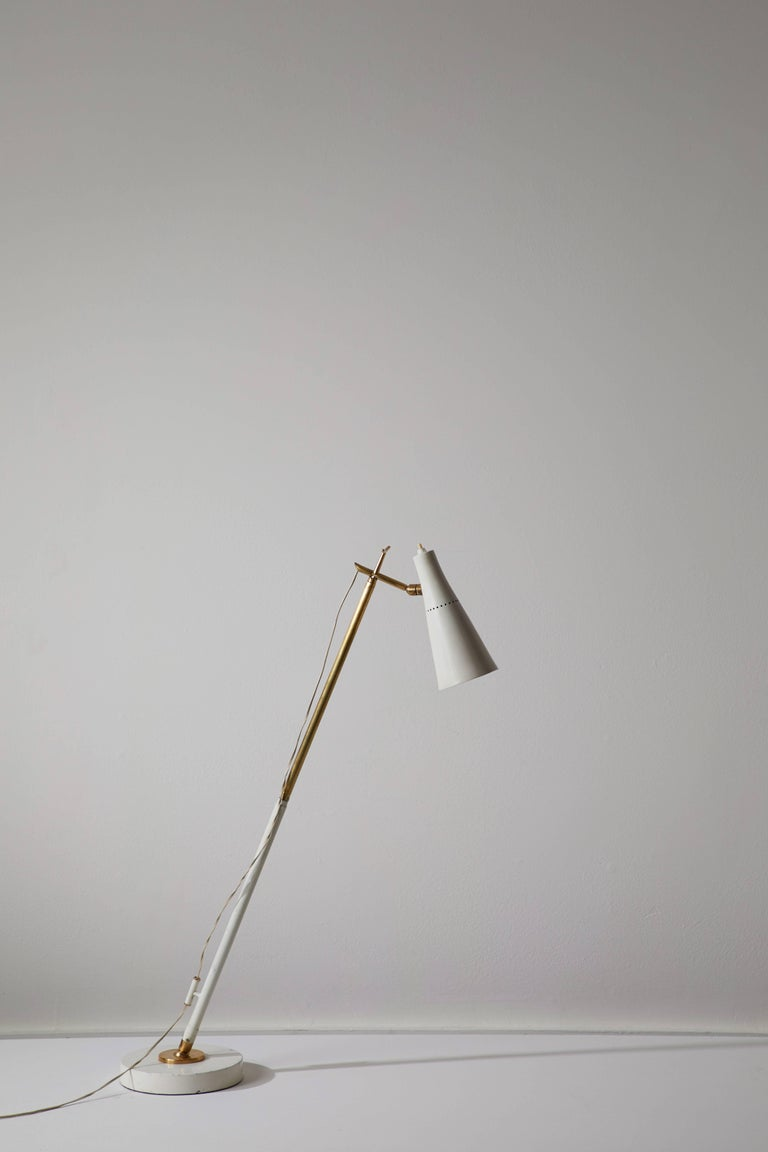 Model 201 Floor Lamp by Giuseppe Ostuni for Oluce In Good Condition For Sale In Los Angeles, CA